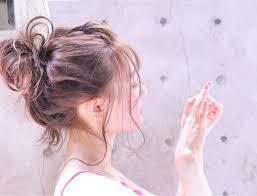 海映えするヘアアレンジ簡単で崩れにくいまとめ髪がおすすめ Arine