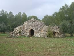 Resultado de imagen de cabañas de piedra seca de tarragona
