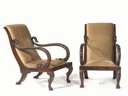 Comodini con tronchi : Importanti mobili arredi e oggetti darte porcellane e maioliche