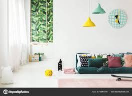 Kinderzimmer Mit Uhr Grün Stockfoto Photographeeeu