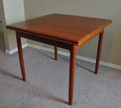 Modern Round Kitchen Tables Solid Wood Round Kitchen Table And Chairs Best Kitchen Ideas 2017