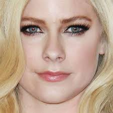 avril lavigne makeup