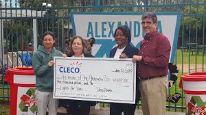 Alexandria Zoo Holiday Lights Cleco Donates 1 000 To Alexandria Zoo