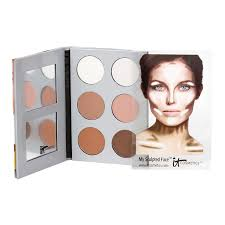 this palette from it cosmetics es with an easy to follow manual on how to contour and highlight bonus this was developed in collaboration with leading
