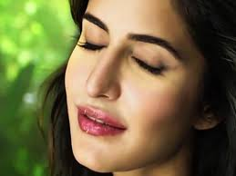 bollywood actress with kissable lips
