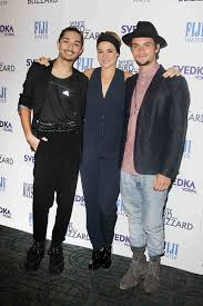 party photos shailene woodley shiloh fernandez fete nyc white mark indelicato shailene woodley and shiloh fernandez at an after party presented by