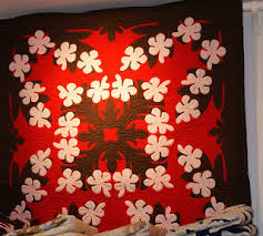 Bejeweledquilts by barb: HAWAIIAN QUILTS - FOR YOUR VIEWING PLEASURE & The next stop is a little store