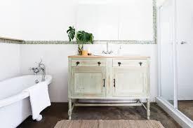 6 ways to reduce bad bathroom smells