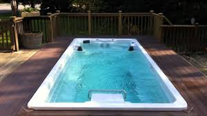 swimming pool and spa at contemporary home luxury swimming pool cost