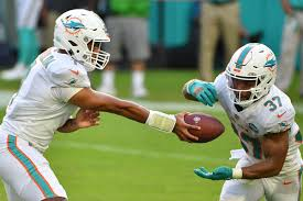 Myles Gaskin injury: Dolphins RB expected to miss three games with sprained  MCL - DraftKings Nation