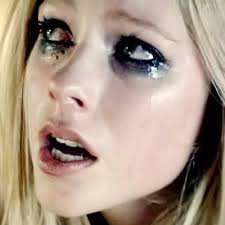you avrillavignevevo 1 ment avril lavigne smokey eyes makeup