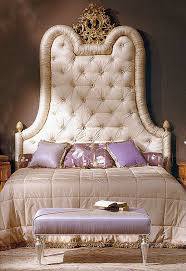 The Stitched Bed and Cream Chargers: Quilted Bed Head & Quilted Bed Head. Have you ever seen a more comfortable looking bed than  this one? I just saw this bed on Tv and can only dream of watching  television in ... Adamdwight.com