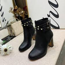 Studded Boots Designer Studded Booties Designer Luxury Superstar Luxury Ladies Martin Boots Autumn And Winter New Boots 35 40 Wholesale
