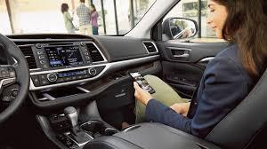 2017 Toyota Highlander for Sale near Danvers, MA - Woburn Toyota