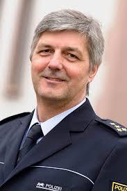 <b>Reinhard Renter</b> wird Chef des Polizeipräsidiums Karlsruhe - 79064605