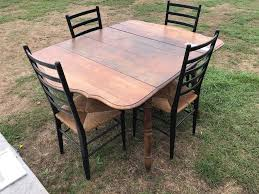 canadian leaf dining table