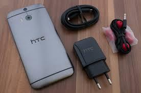 HTC One M8 mit DotView-Cover ausprobiert