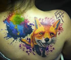 фото тату лисы в стиле акварель на спине девушки фото рисунки эскизы
