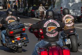 What was the first <b>outlaw</b> motorcycle club? | HowStuffWorks