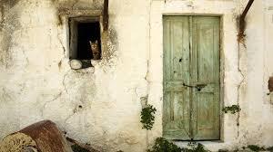 Decorate Old Windows Old Door Decorating With Old Doors