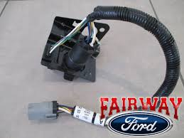 thru f f super duty ford pin trailer tow wiring 99 thru 01 f250 f350 super duty ford 4 7 pin trailer tow wiring harness plug 3 3 of 6