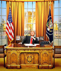 desk in oval office. Who Made The Oval Office Desk Replica Of In