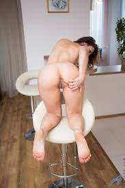 Anilos Anilos Sexy Mommy With A Big Booty Spreads Open Her Shaved.