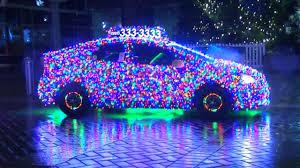 Taxichauffeur Vs Versiert Auto Met 11000 Lampjes Voor Kerst Nu
