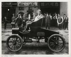 mer enn bra ideer om henry ford biography pa  view of henry ford posing in car in front of building group of men stand