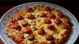 How To Make A Frozen Pizza How Professional Chefs Upgrade Frozen Pizza Lifehacker Australia