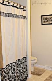 15 DIY Shower Curtain Projects Anyone Can Make! | Decorating Files |  #DIYshowercurtain #