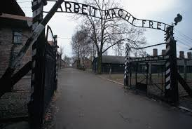 holocaust concentration camps pictures the holocaust com auschwitz auschwitz birkenau death camp gas chambers nazi the holocaust