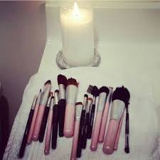 makeup brushes i clean them with dawn dish washing soap white vinegar warm water after