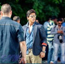 shahrukh khan while shooting for dilwale in bulgaria