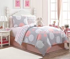 looking for a modern girls bedding set with a lot of charm then you ll definitely want to jump on this set not literally of course