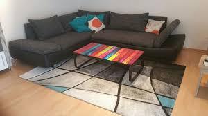 Wohnlandschaft Mit Tisch Und Teppich