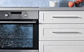 effectively clean your glass oven door