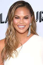 Teigen had previously been rocking long locks, but it seems as though she decided to chop them off amid the hot summer months. 25 Best Layered Haircuts And Hairstyles For Every Length Hair