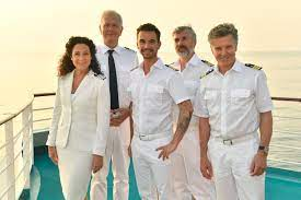 Kapitän burger verbindet mit dieser inselgruppe einen ganz dramatischen teil seines lebens. Das Traumschiff Schauspieler Erklaren Party Wahrend Der Coronakrise Gala De