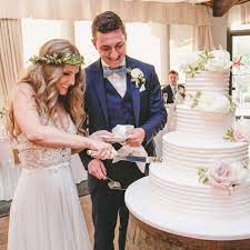 From rock and roll to country, here are some unique and funny songs. Wedding Cake Cutting Songs 2021 Us Wedding Blog