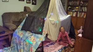 How To Make A Tent How To Build A Simple N Easy Indoor Blanket Fort Tent For 3 4