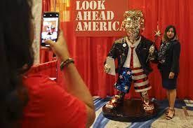 Der Tanz um den Goldenen Trump - CPAC ...