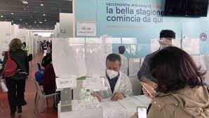 Vaccino anti-Covid: in Sicilia da lunedì al via le prenotazioni per i  40enni - Giornale di Sicilia