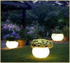 solar garden lighting ideas