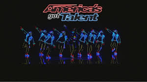 Dancers With Lights On America S Got Talent Light Balance Dancers Light Up The Stage And Get The Golden Buzzer Americas Got Talent 2017