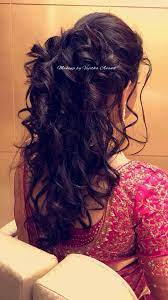 It might be a bit tough to pick the right hairstyle for your reception that would not outshine your wedding day hairstyle, but make you look stunningly beautiful at the same time. South Indian Bridal Hairstyle For Reception Hairstyle By Vejetha For Swank Curl Bridal Hairstyle For Reception Indian Wedding Hairstyles Reception Hairstyles