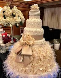 Giant Wedding Cakes
