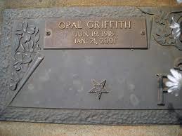 Headstones: Opal Griffith Pitt: Headstone, close-up: Daniel Boatright  Family of Emanuel County