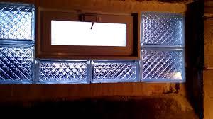 backs up installer of glass block 2