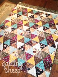 A Quilting Sheep: July 2015 & I have a feeling I missed a one or two more quilts that never made it to my  blog, but that is the way it goes. =) Adamdwight.com